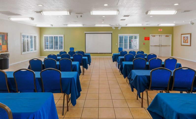 Well-Equipped Meeting Spaces